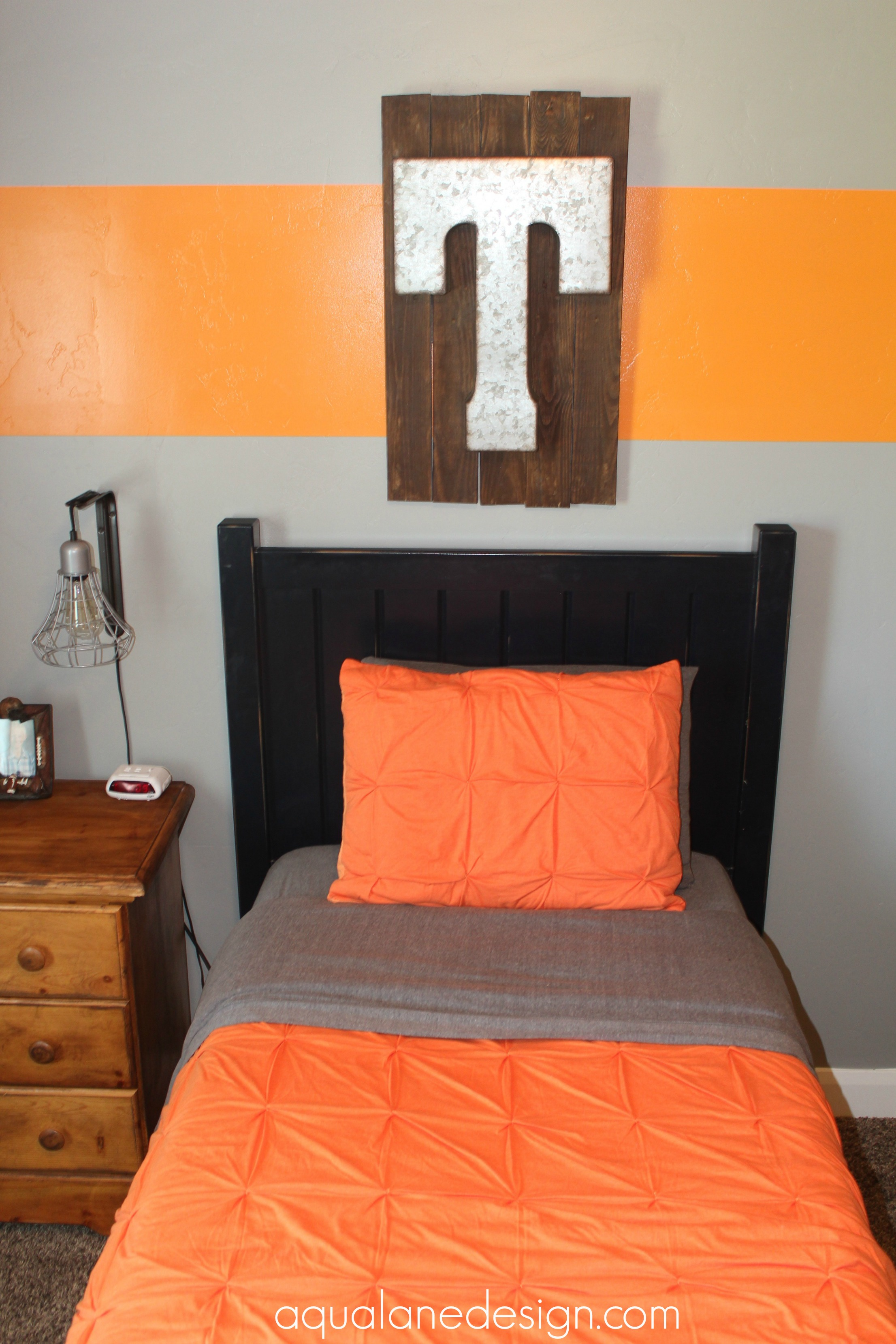 boys room bed shot