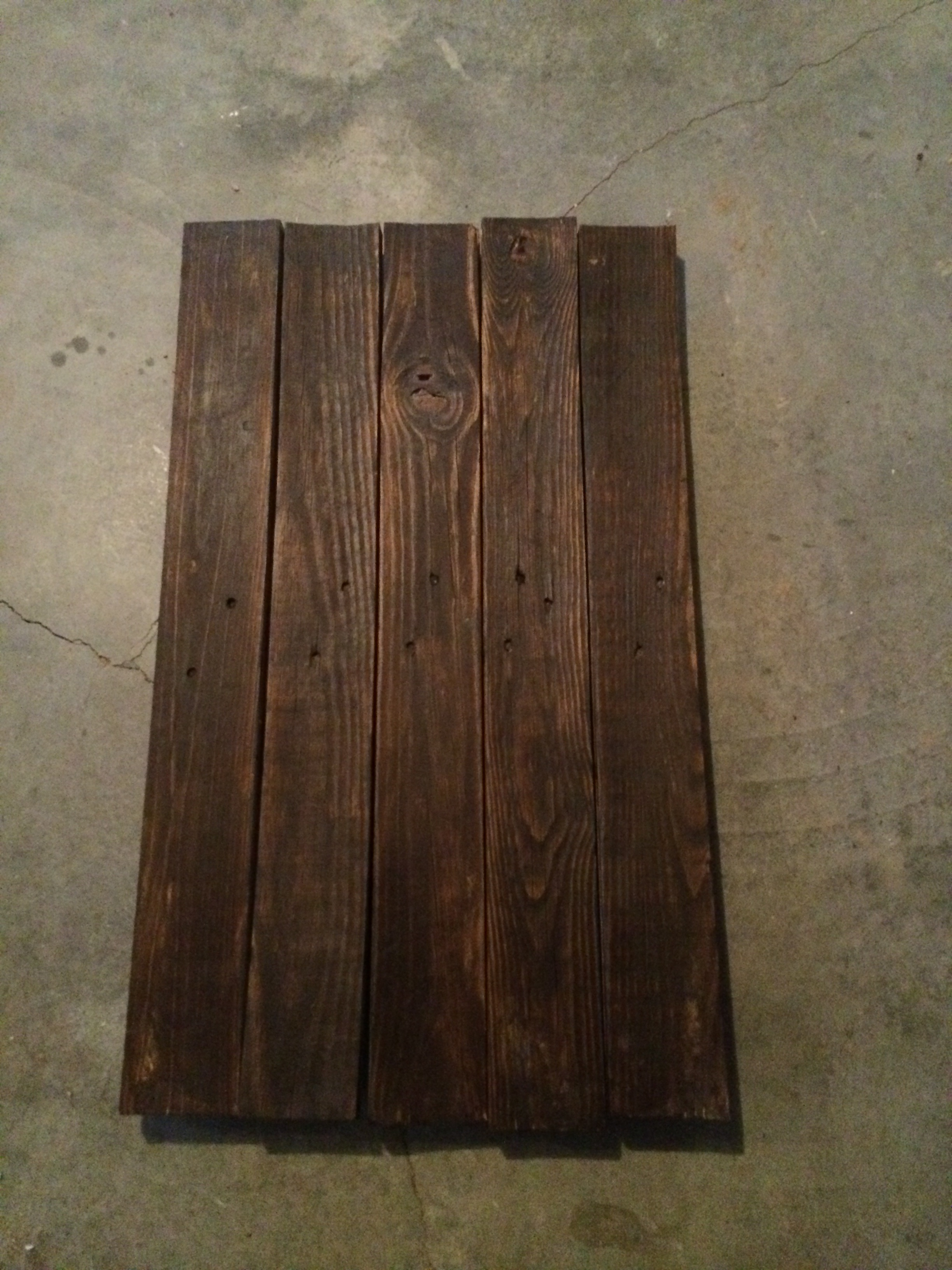 stained pallet sign